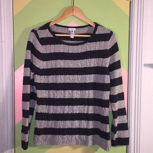 IZOD Sweater gray stripe cable knit